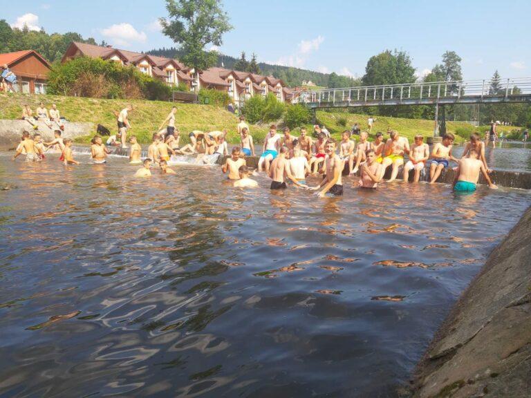 Uczniowie z VII i VIII klasy na obozie w Wiśle